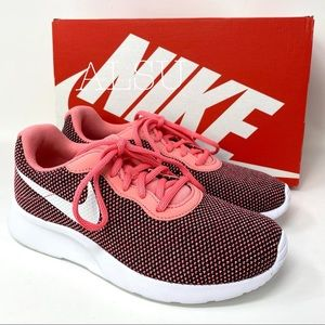 Nike Women's Sneakers Tanjun Pink Gaze Canvas